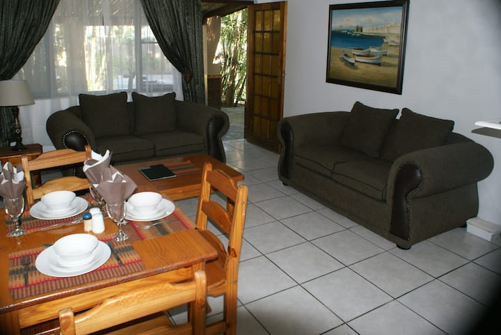 Ndiza Two bedroom cabana with breakfast