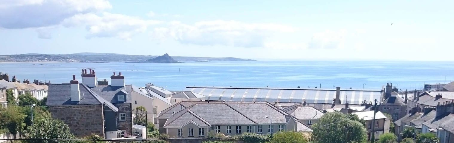 Lovely little home with big seaview - Penzance - Hus