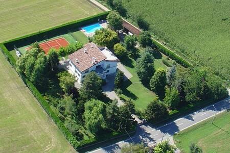 Stanza Indipendente in Villa - Castel Gabbiano - 独立屋