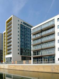 Newly Built Flat near Canary Whary
