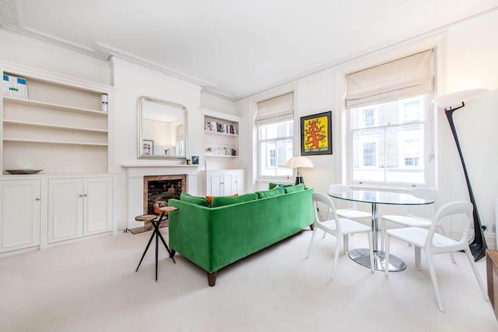 Charming One Bedroom Flat - Chelsea