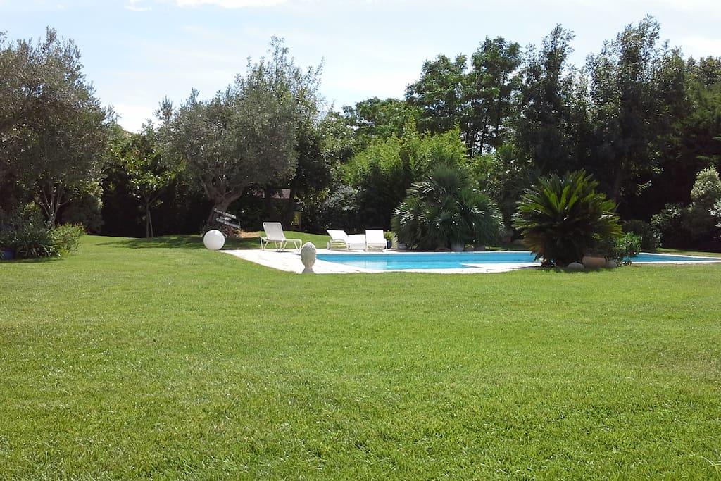 Chambres dans villa avec jardin chambres d 39 h tes - Chambres d hotes perpignan et alentours ...