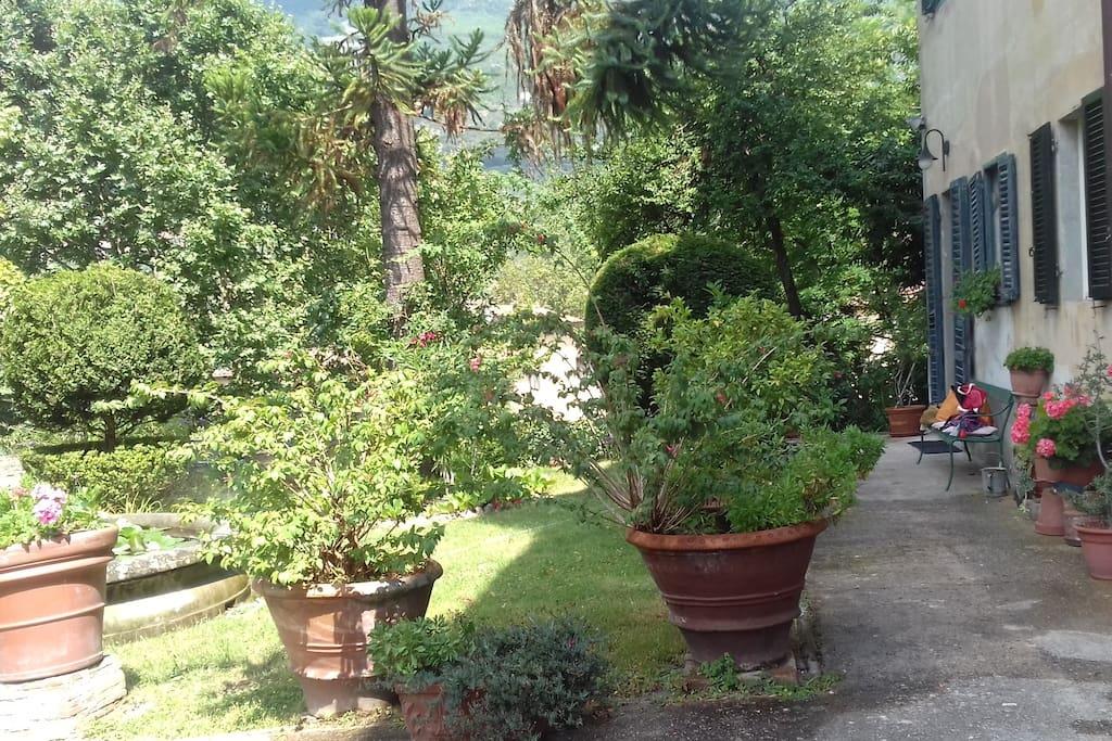 entrata appartamento dal giardino