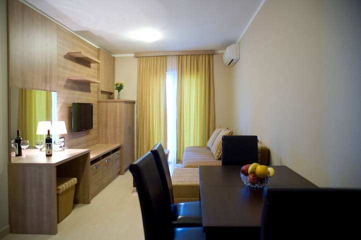 Premium apartment 4 persons - Petrovac - Bed & Breakfast