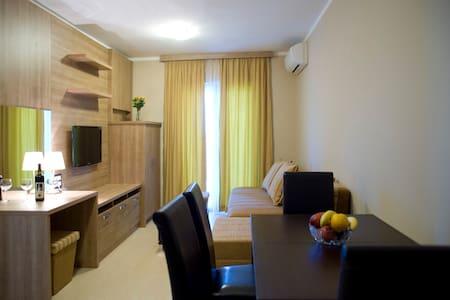 Premium apartment 4 persons - Petrovac