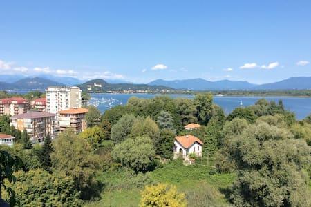 Trilocale sul Lago Maggiore - Dormelletto