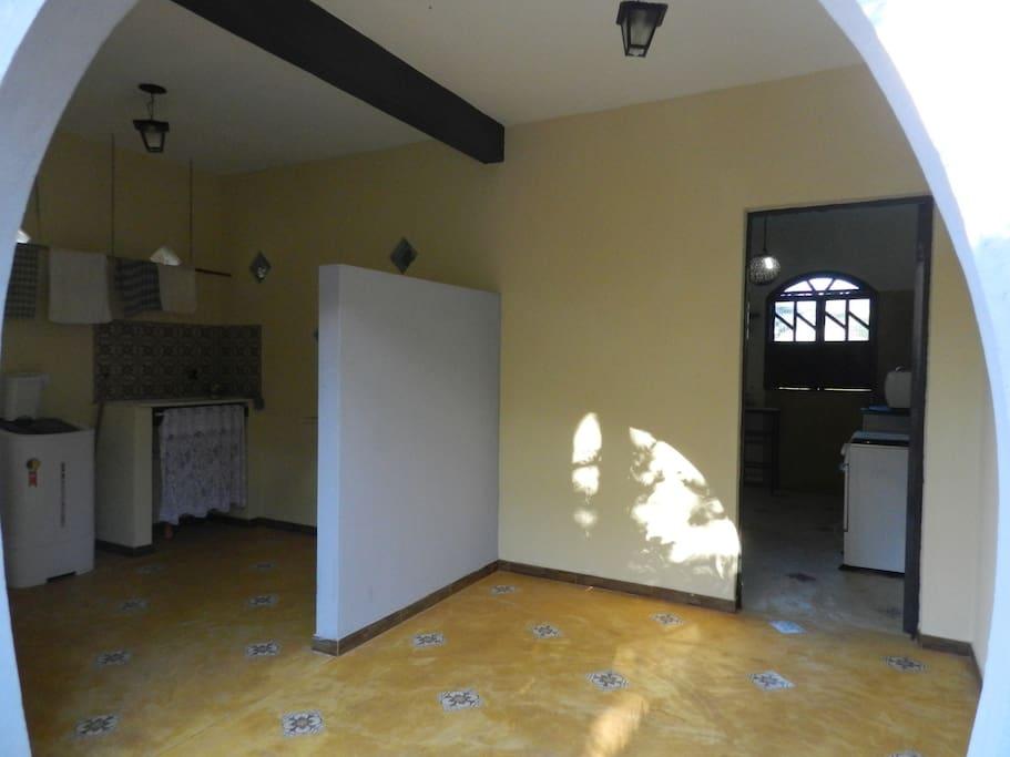 entrada e a esquerda lavanderia