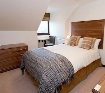 Small family owned Hotel - Inverurie - Penzion (B&B)