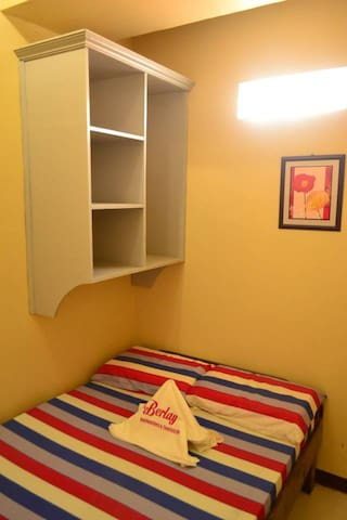Air-conditioned Room SMALL ROOM - Davao City - Bed & Breakfast
