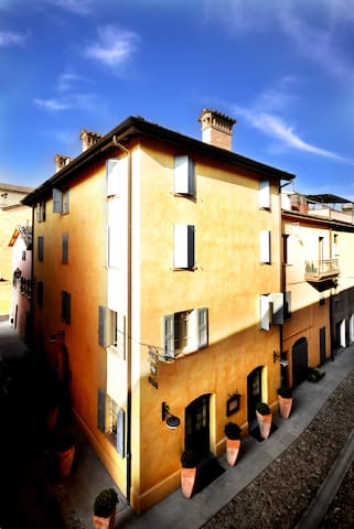 Elegante suite nel borgo medioevale - Castelvetro di Modena - Villa