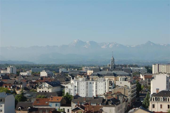 Centre ville vue sur Pyrénées - Tarbes - Appartement