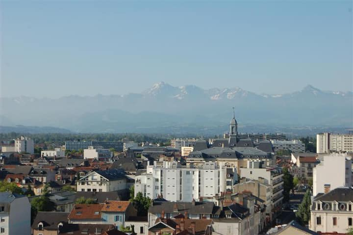 Appartement entier Centre ville Vue Pyrénées