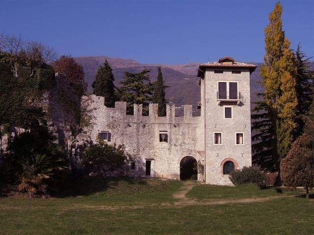 A nest for two in a medieval castle - Vittorio Veneto - Lägenhet