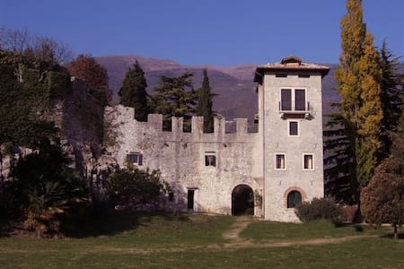 A nest for two in a medieval castle - Vittorio Veneto - Apartament