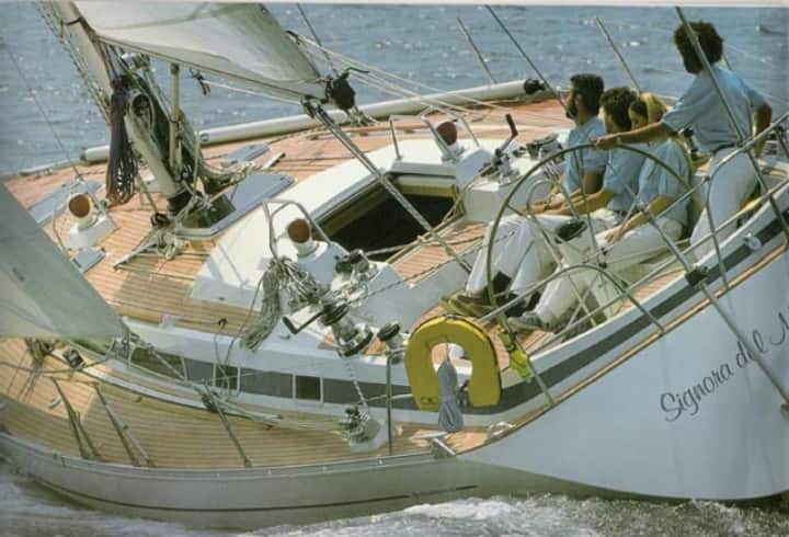 Beautiful boat cruises & action