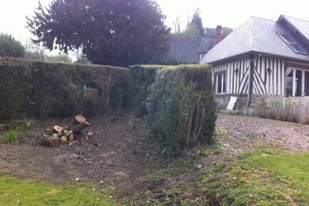 Maison avec jardin a 4km de la mer - Gonneville sur Mer