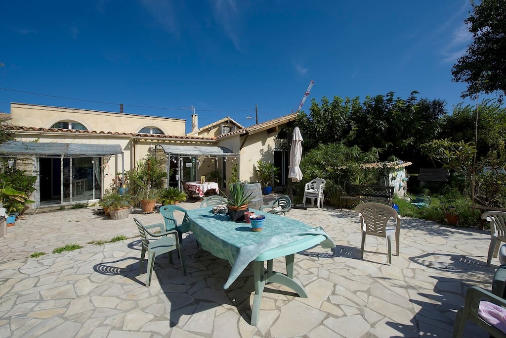 Maison 5 pieces avec jardin 2600 m2 maisons louer for Entretien jardin castelnau le lez