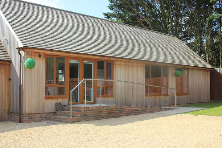 Modern Luxury Self Catering Lodge. - Aldingbourne - Apartment