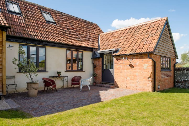 Two bedroom rural retreat. - Avington - Hus