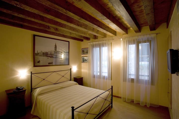 Ca 39 barba b b room n101 chambres d 39 h tes louer for Chambre d hote venise