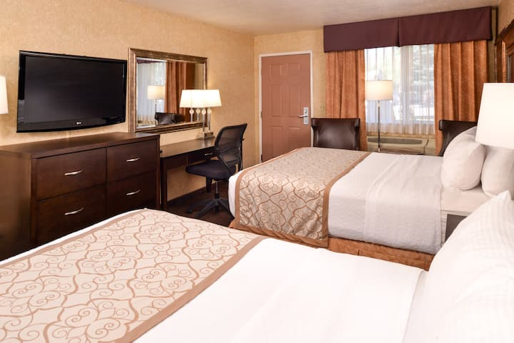 Deluxe 2 Queen Bedroom with Free Breakfast