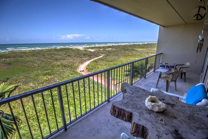 Romantic Beach Front Getaway For 2 - South Padre Island - Lägenhet