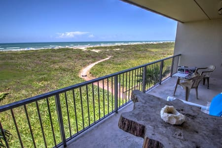 Romantic Beach Front Getaway For 2 - Daire
