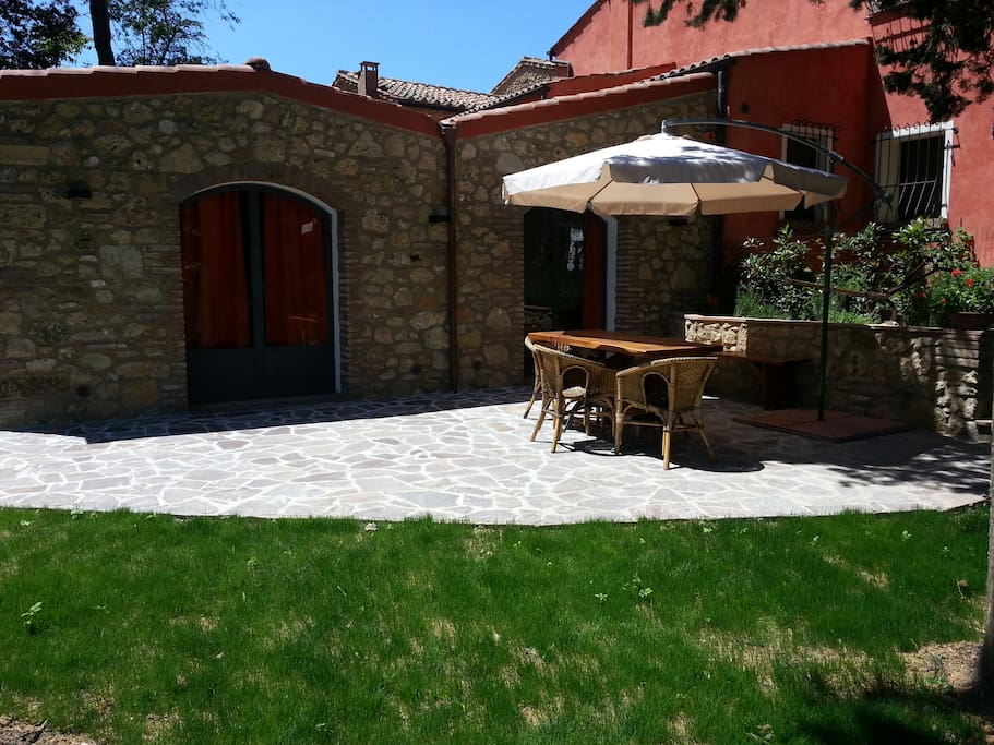 Casa in campagna con giardino maisons louer - Casa con giardino pisa ...