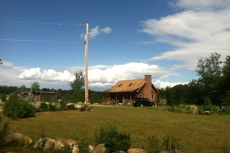 NH Log Cabin- Cozy Nature Escape - Ossipee