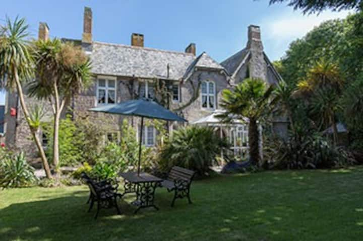 Old Vicarage, 4 Star Guest House, St. Ives.