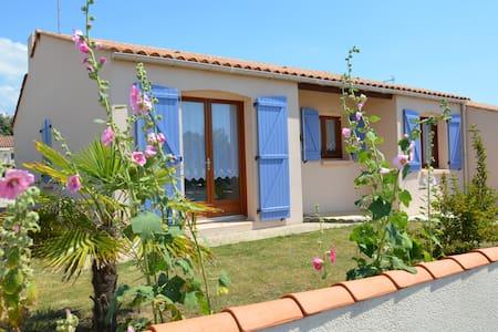 Maison vendéenne à 4 km de la mer - Landevieille