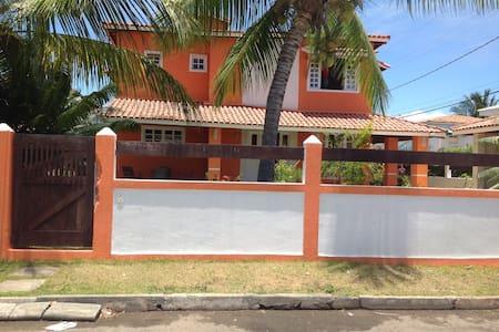 Casa grande/próximo a rio e praia