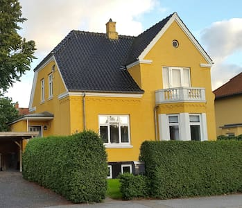 Beautiful 100 year old villa - Sorø - Casa