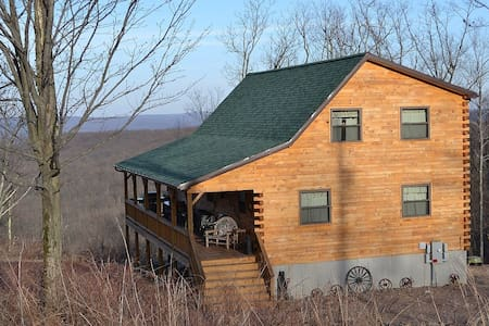 Log home with 50 mile view-Poconos! - Rumah