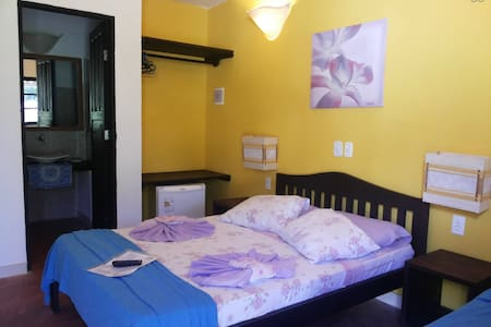 Pousada com piscina, WiFi, ar cond. - Bed & Breakfast