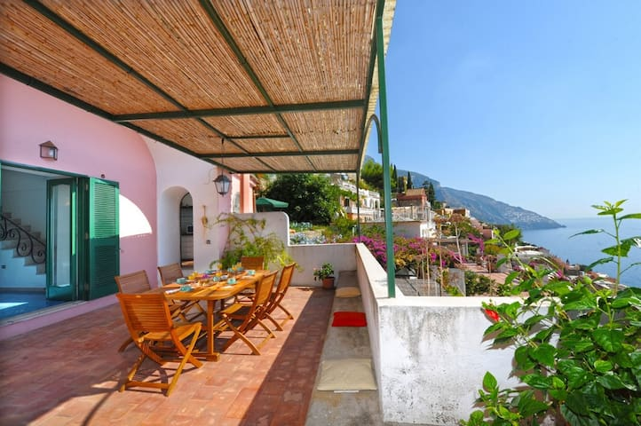 Ancient villa - gorgeous view -V708