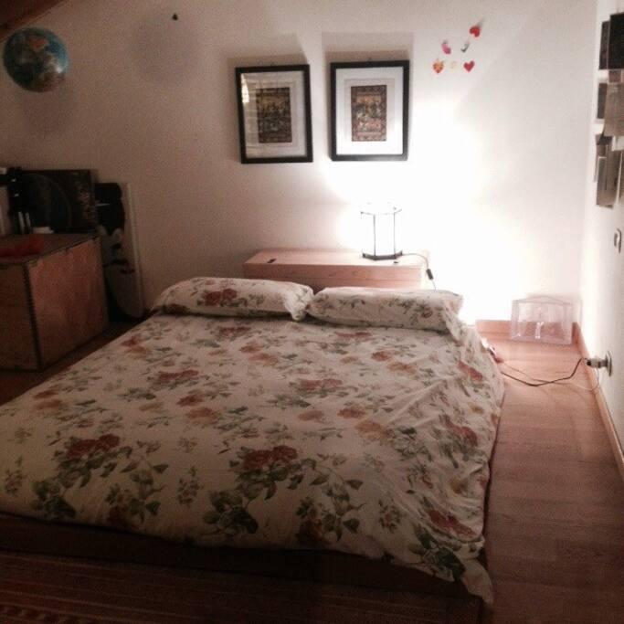 camera da letto con futon matrimoniale