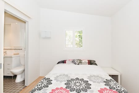 Perth Pearsall Flat 23km From City! - Pearsall - Byt
