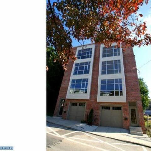 4 BR- Modern Manyunk LuxuryTown Home - ฟิลาเดลเฟีย - บ้าน