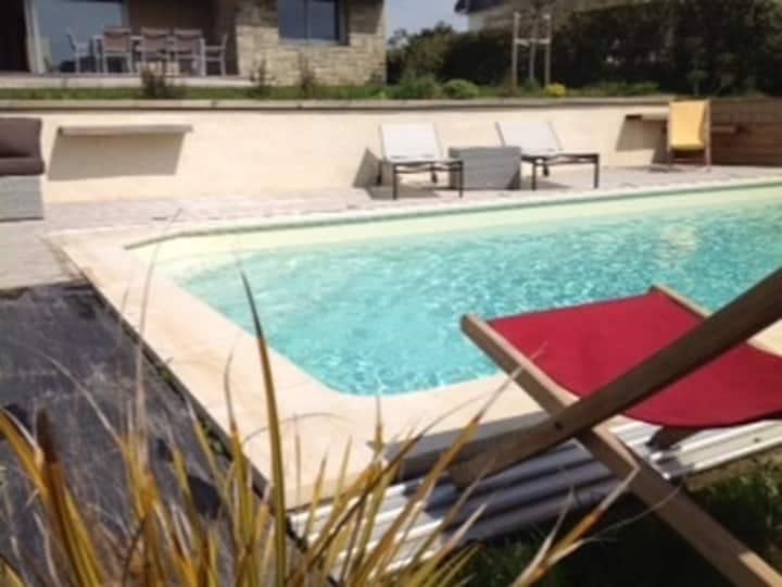 Villa 30 m plage de sable fin piscine privée 5 ch