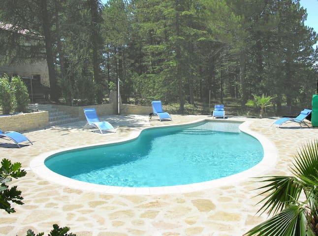 Maison avec piscine privée chauffée