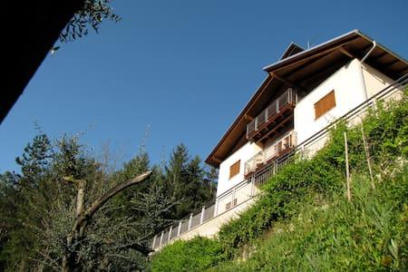 Fra Romagna e Toscana - Casola Valsenio - Haus