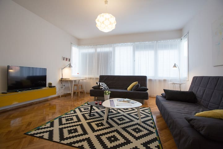 Central Square, free parking - Zagreb - Bed & Breakfast
