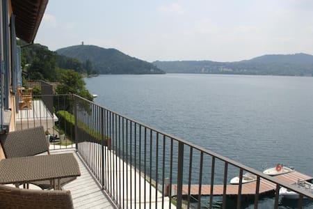 sulla riva del lago Imolo - Orta San Giulio - 公寓