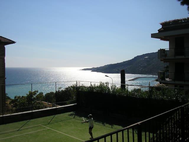Stella Marina 2 con vista mare e piscina - Ospedaletti - Apartemen