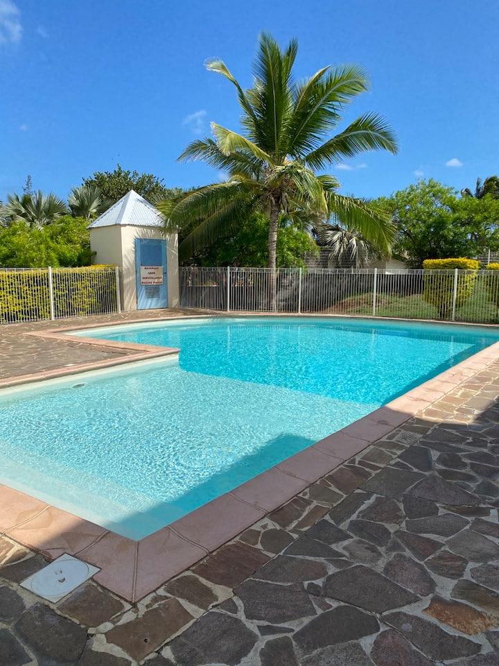 BeauT1 dans résidence avec piscine, proche plages