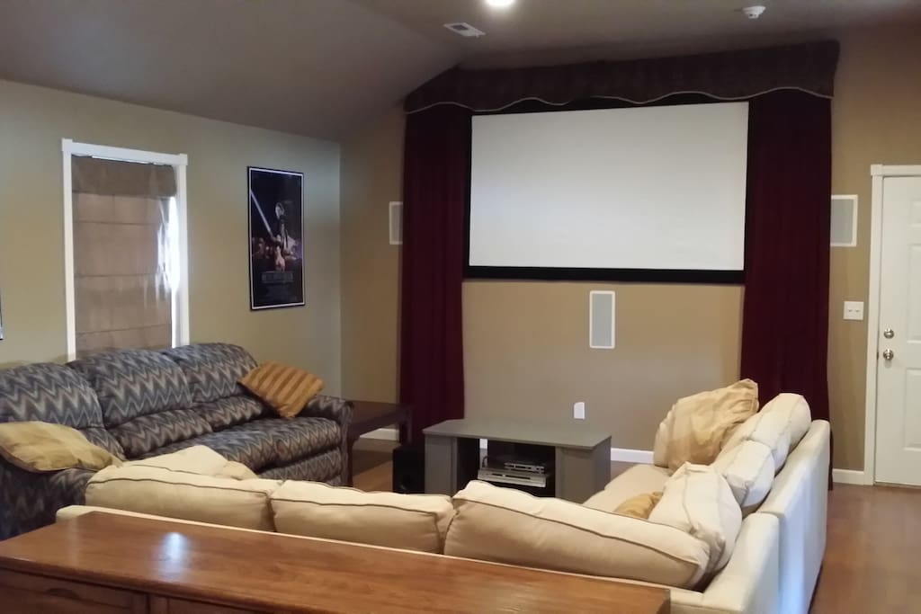 """Movie Theater"" atmosphere with a 8 foot projection TV"