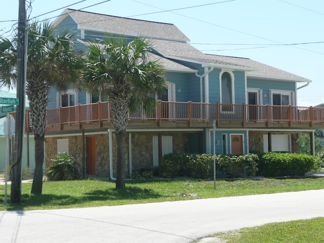 New Smyrna Beach, Steps from Ocean - New Smyrna Beach - Rumah