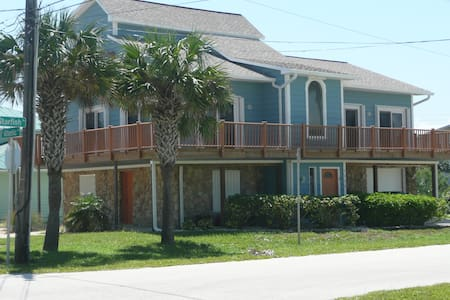 New Smyrna Beach, Steps from Ocean - New Smyrna Beach - Huis