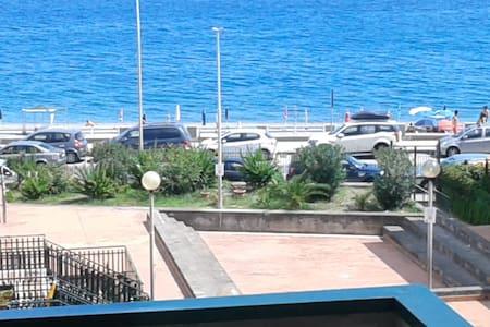 Bivani Sea Front close TAORMINA - Roccalumera